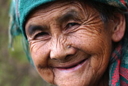 http://nhakhoa126.com/hinhanh/rang%20nguoi%20cao%20tuoi/cham-soc-rang-mieng-nguoi-cao-tuoi.jpg